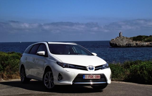 Toyota Auris Hybrid Touring Sports Vorderansicht