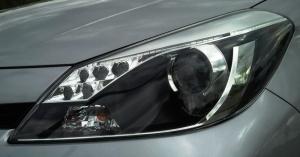 Toyota Yaris Hybrid LED-Tagfahrlicht