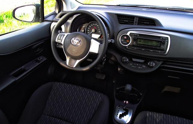Toyota Yaris XP13 1.5 VVT-i Hybrid Innenraum