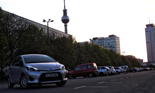 Toyota Yaris XP13 1.5 VVT-i Hybrid in Berlin