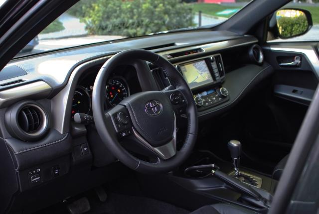 Toyota RAV4 Hybrid 2.5 VVT-i Interieur