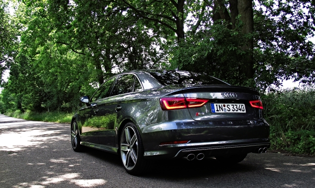 2013 Audi S3 Limousine 8VS 2.0 TFSI S tronic quattro Daytonagrau