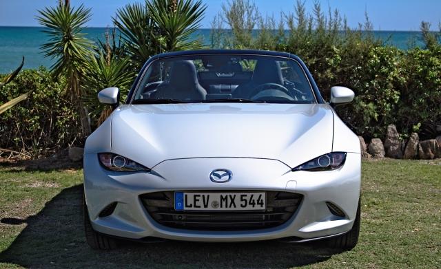 Mazda MX-5 SKYACTIV-G 160 Sports-Line in der Frontalansicht