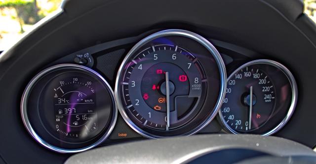 Kombiinstrument des 2015 Mazda MX-5 ND