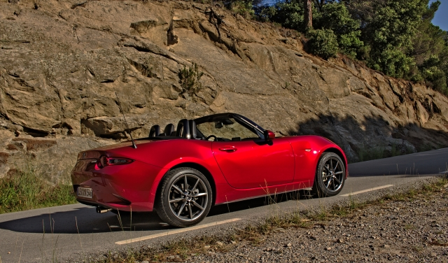 2015 Mazda MX-5 ND 2.0 SKYACTIV-G 160 i-ELOOP