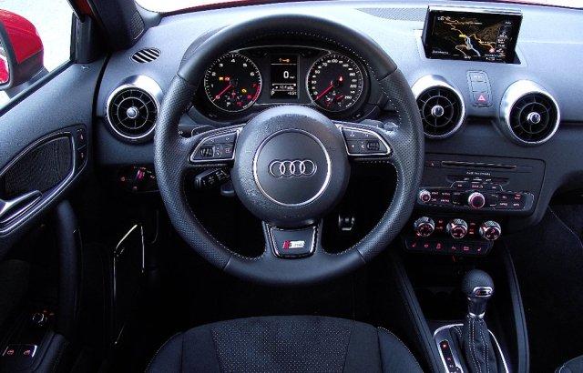 Das Interieur des Audi A1 Facelift (2015, Typ 8X).
